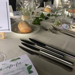 papelería y decoración mesas